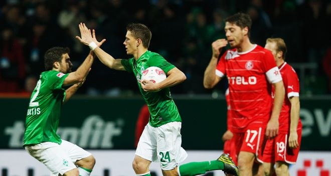 Nils Petersen draws Werder Bremen level