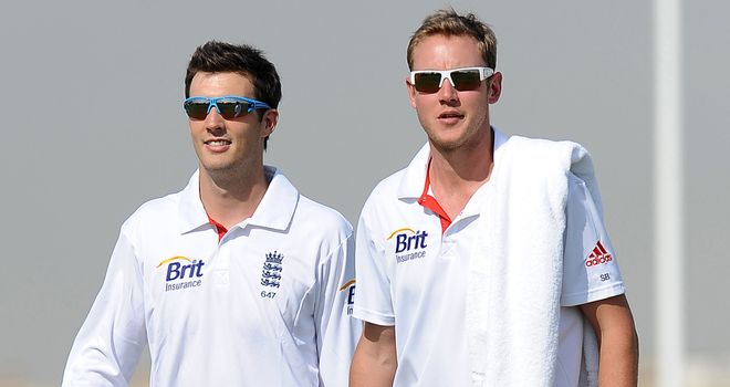 Steven Finn could replace Stuart Broad in the third Test if he manages to shake off a thigh problem