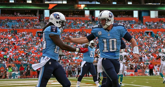 Chris Johnson and Jake Locker celebrate for Tennessee