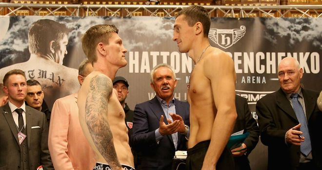 Ricky Hatton (L): bang-on the weight for his clash with Vyacheslav Senchenko