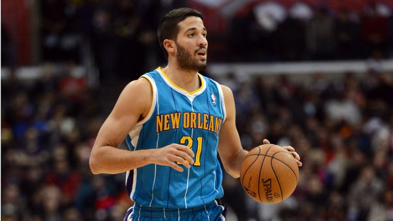 Greivis Vasquez: Scored a career-best 27 points for the Hornets