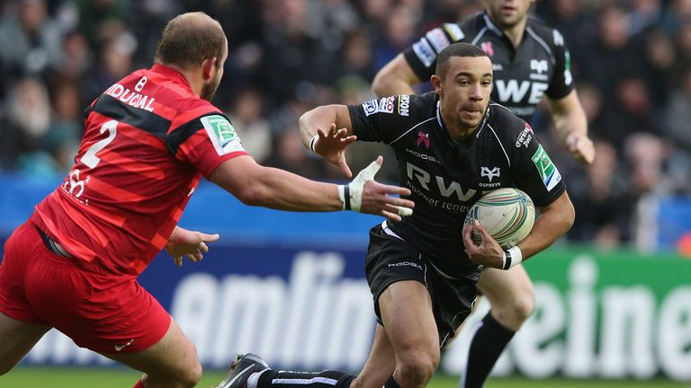 Ospreys winger Eli Walker in action in Heineken Cup
