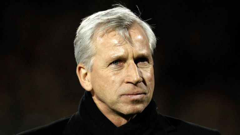 Alan Pardew: Knows what he wants to replace Demba Ba