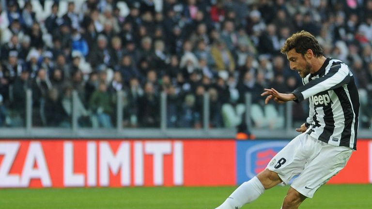 Claudio Marchisio fires in Juventus' third