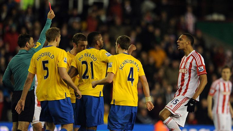 Steven Nzonzi: Stoke midfielder sent off after challenge on Jack Cork
