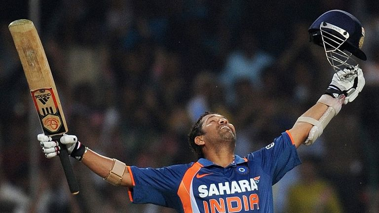 Sachin Tendulkar: the first player to score 100 international centuries