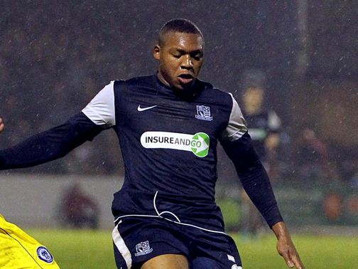 Britt Assombalonga: Staying at Southend