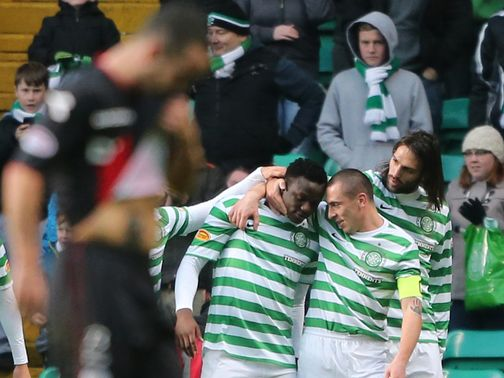 Celtic celebrate against St Mirren