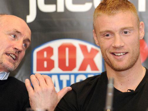 McGuigan (l) mentored Flintoff for his boxing debut
