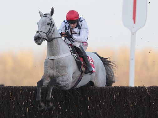 Simonsig; Makes swift reappearance at Kempton