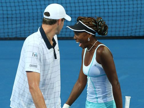 John Isner and Venus Williams claimed victory.
