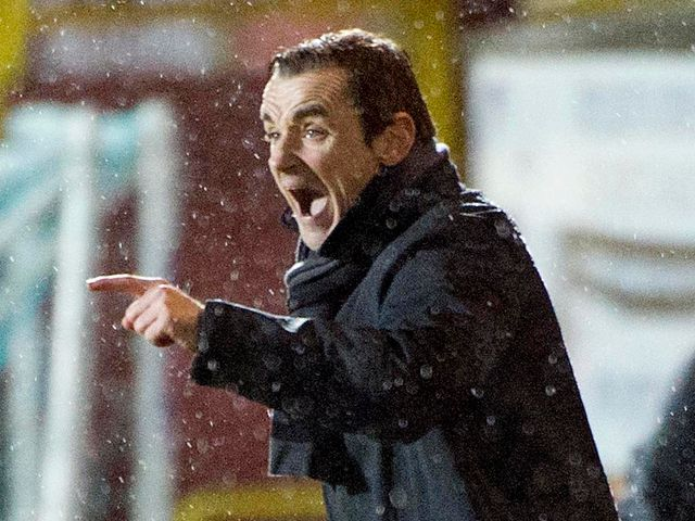 Danny Lennon urges his side on