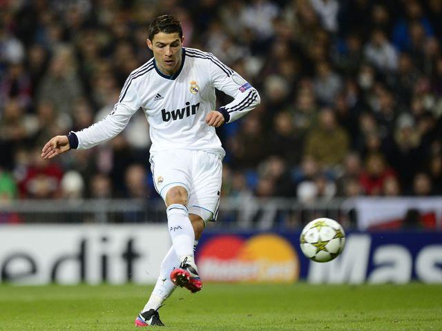 Cristiano Ronaldo scores Real Madrid's opening goal
