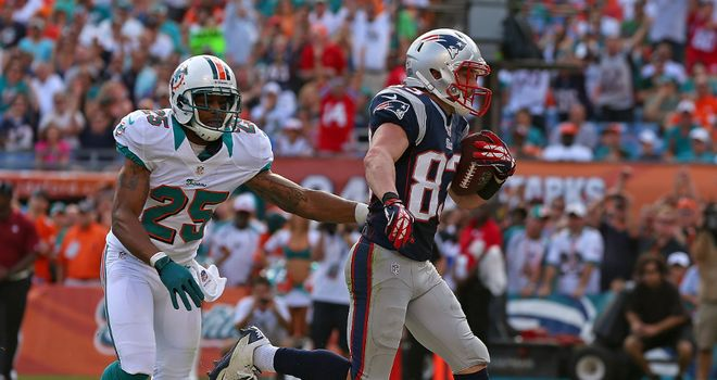 Wes Welker: New England receiver scored a touchdown in the second quarter