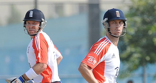 Extended break from cricket for Ian Bell and Jonathan Trott