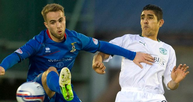 Andrew Shinnie: Helped his side secure comfortable home win to go second