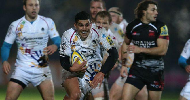 Josh Matavesi (centre): Banned for four weeks