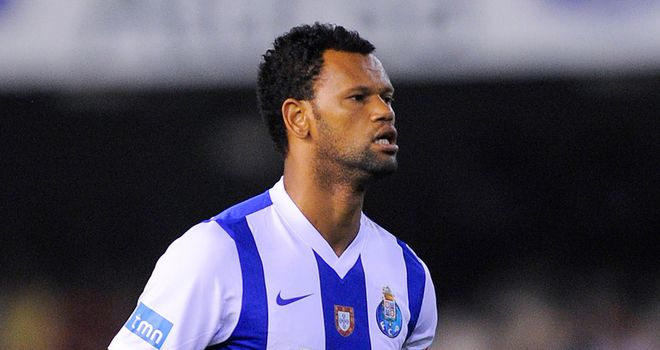 Rolando in action for FC Porto