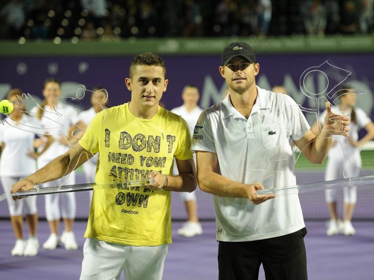 Almagro (l) with Roddick at the presentation ceremony