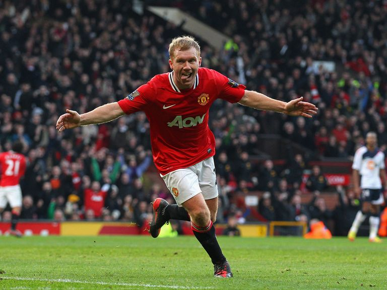 Paul Scholes: Remains out with a knee injury
