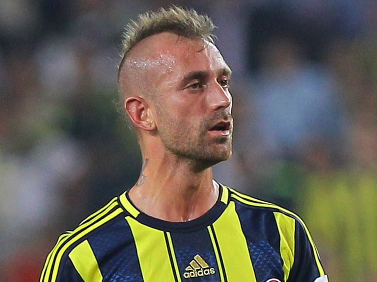 Raul Meireles: Handed 11-match ban