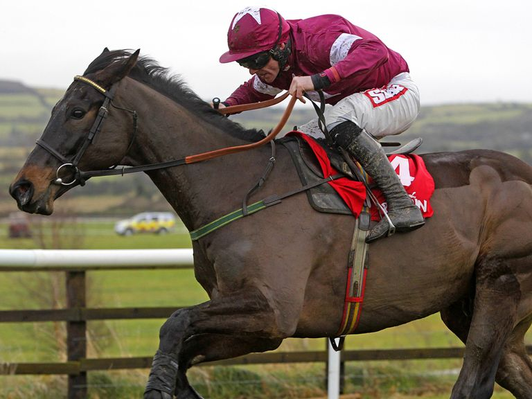 Sir Des Champs: Taken to get better of Flemenstar in Irish Hennessy Gold Cup