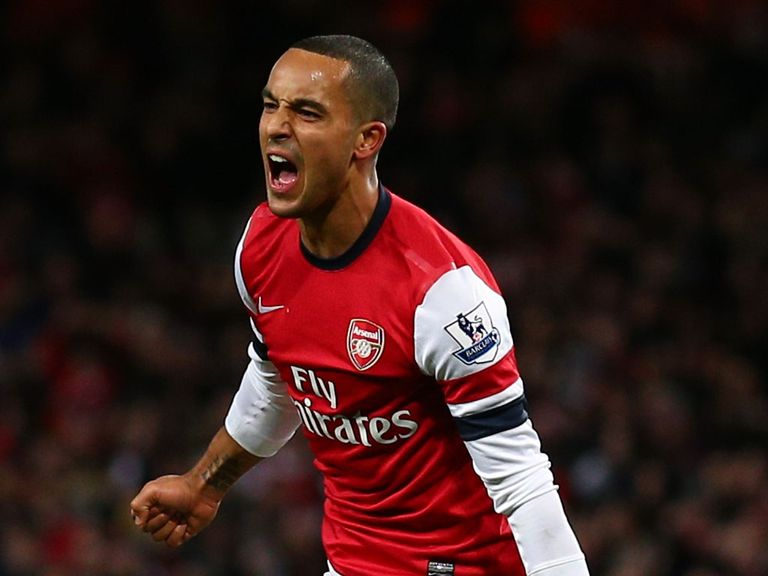 Theo Walcott: Staying at Arsenal