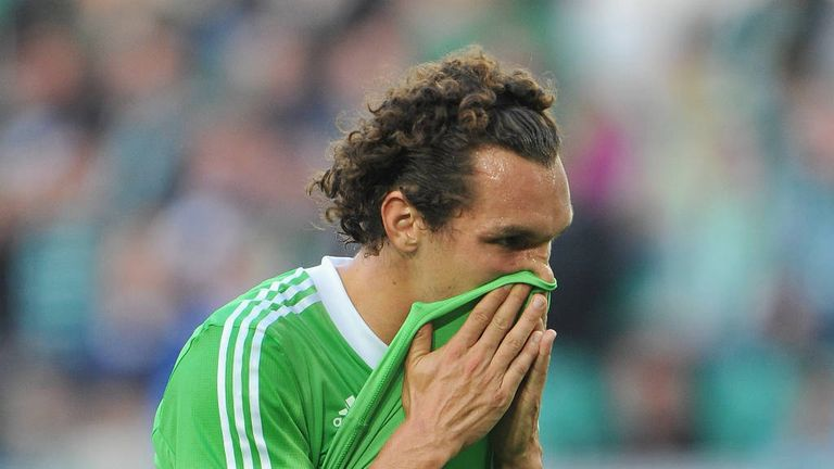 Emmanuel Pogatetz: Wolfsburg defender to have West Ham medical