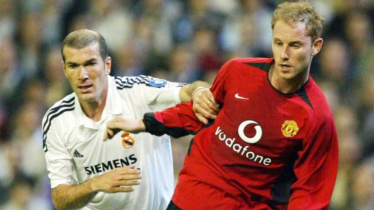Zinedine Zidane: Former Real Madrid star in action against Manchester United