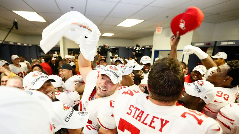 Joe Staley and the 49ers celebrate