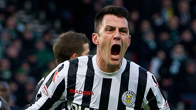 Steven Thompson strikes twice as St Mirren move up to ninth in the Scottish Premiership