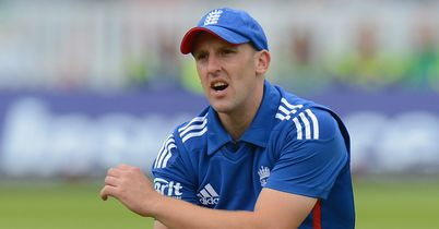 Tredwell stars in Kent win