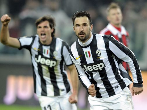 Mirko Vucinic helped Juventus reach the semi-finals
