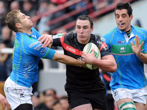 Louis Picamoles makes a break against Treviso