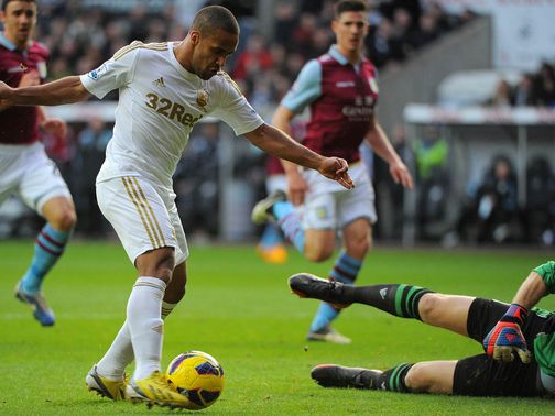 Wayne Routledge struck early on to give Swansea the lead
