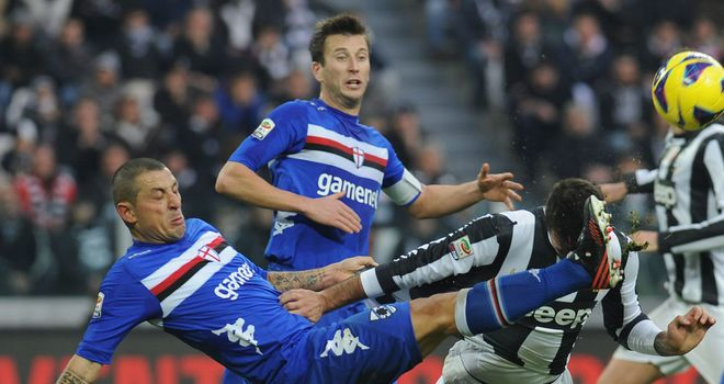 Angelo Palombo in action for Sampdoria