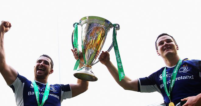 Rob Kearney, left, has opted not to follow team-mate Jonathan Sexton to France