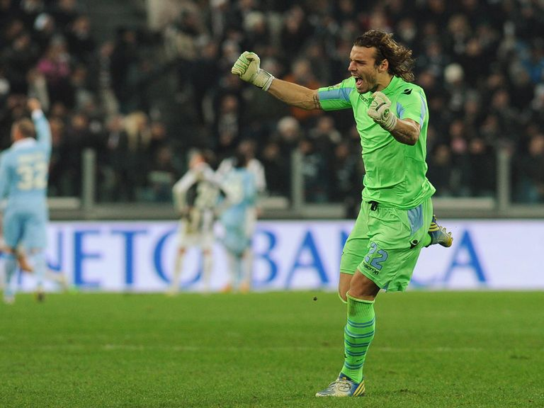 Federico Marchetti celebrates for Lazio