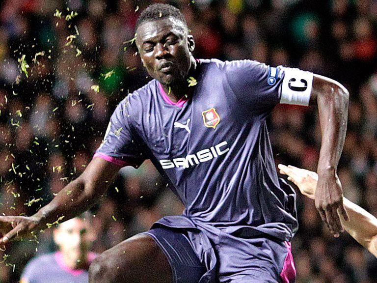 Kader Mangane: Completes Sunderland loan move