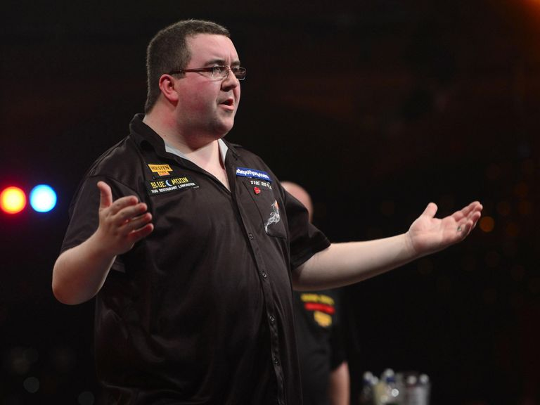 Stephen Bunting: Should be shorter than 5/2