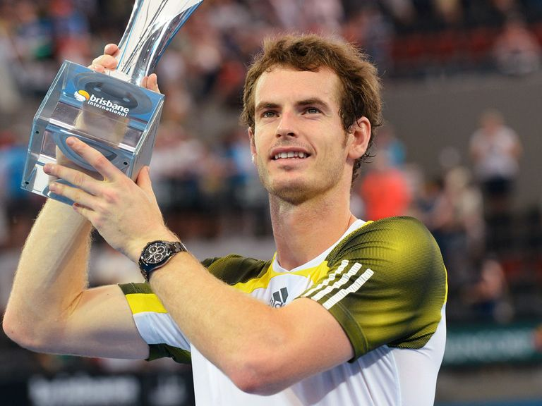 Andy Murray celebrates his title defence