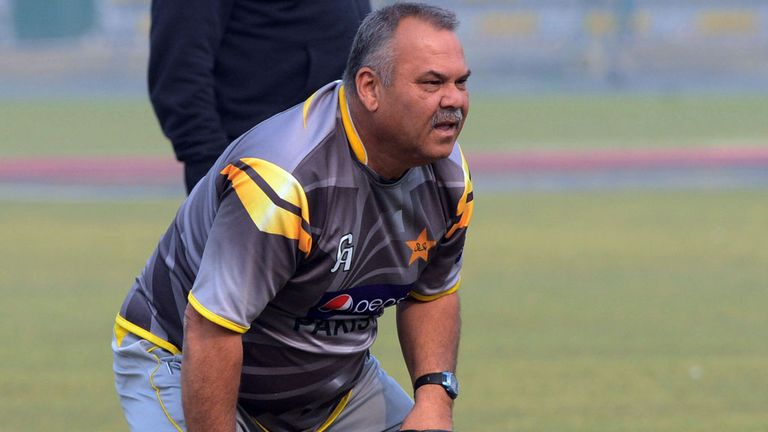 Dav Whatmore: Standing down as Pakistan head coach in February