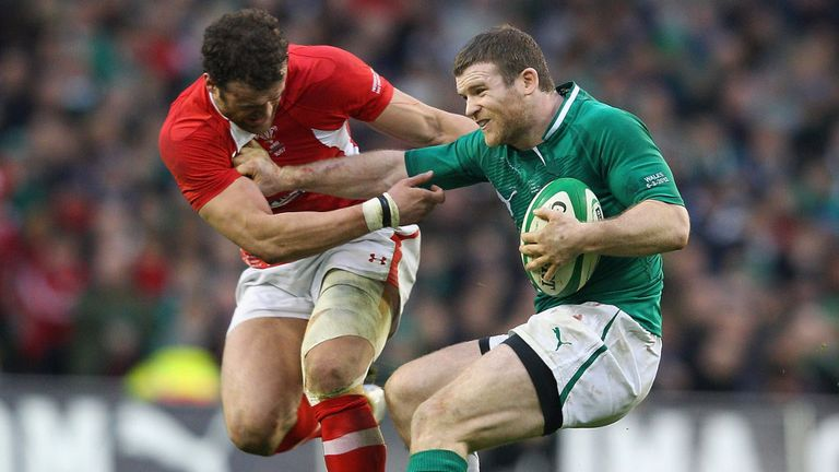 Gordon D'Arcy has recovered from a dead leg and will start at inside centre against England