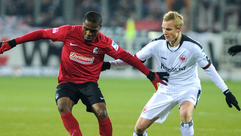 Cedrick Makiadi (left): Leaving Freiburg for Werder Bremen