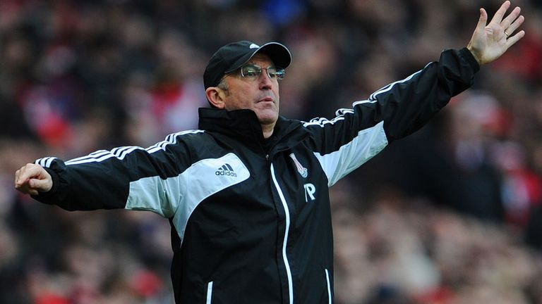 Tony Pulis says Stoke are desperate for a victory.