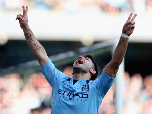 Manchester City reached the FA Cup quarter-finals with a 4-0 victory over Leeds on Sunday.