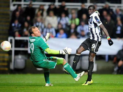 Papiss Cisse sees a second goal ruled out for offside
