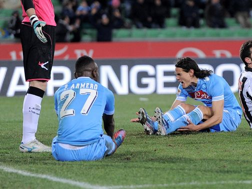 Napoli's Edinson Cavani is left frustrated