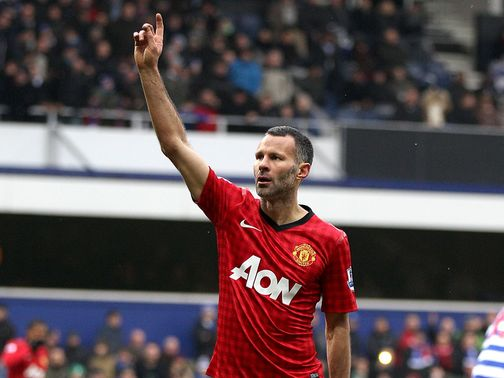 Ryan Giggs scored Manchester United&#39;s second goal of the game