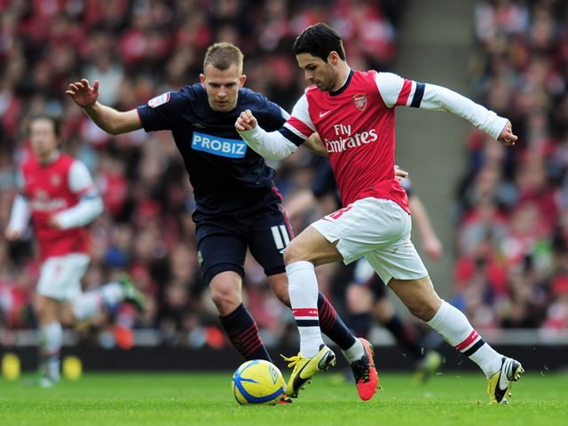 Arteta tries to move away from Rhodes.
